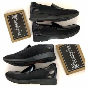 Gucci Shoes - Gucci {AUTHENTIC} vintage classic black loafers